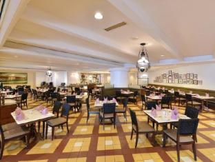 Hotel Equatorial Melaka Malacca - Rest House Cafe