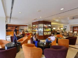 Hotel Equatorial Melaka Malacca - Cafe