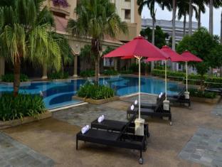 Hotel Equatorial Melaka Malacca - Swimming Pool