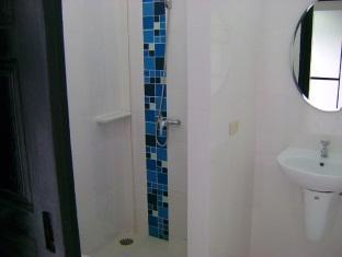 Peter Pan Resort Phuket - Bathroom