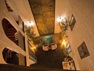 /el-gr/riad-jardins-des-lilas/hotel/marrakech-ma.html?asq=m%2fbyhfkMbKpCH%2fFCE136qfjzFjfjP8D%2fv8TaI5Jh27z91%2bE6b0W9fvVYUu%2bo0%2fxf