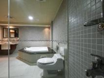 Hua Xiang Hotel-Da Chang: bathroom