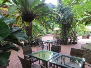 Hotel Precious Garden of Samal Davao City - Trädgård