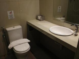 Hotel D'New 1 Kuala Lumpur - Bathroom