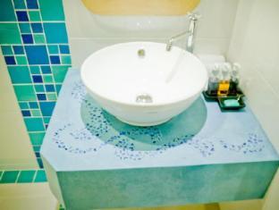 Bussaba Bangkok Suvarnabhumi Airport Hotel Bangkok - Double Standard Bathroom