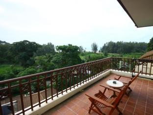 Phuket Nature Home Resort at Naiyang Beach Phuket - Balkon/Taras