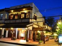 Phousi Guesthouse: main house