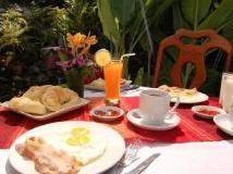 Phousi Guesthouse: restaurant