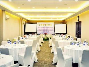 /lampion-hotel-solo/hotel/solo-surakarta-id.html?asq=jGXBHFvRg5Z51Emf%2fbXG4w%3d%3d