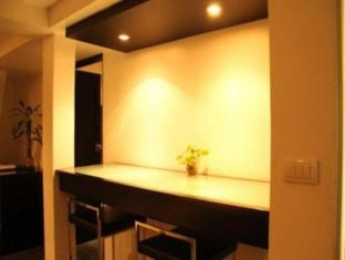 The Front Apartments Phuket - 1 Bedroom Deluxe-Dining area