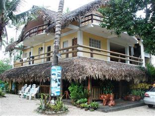 Polaris Beach House Pagudpud - Hotel Exterior