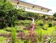 Hotel in Philippines Tagaytay | Bed & Breakfast at Royale Tagaytay Country Club