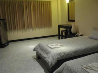 T-Terrace Guesthouse Phuket - Standard Twin Bed
