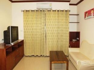 Baan Sila Pattaya - 1 Bedroom Suite - Living Room