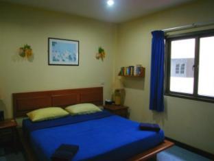 Beshert Guesthouse Phuket - Bilik Tetamu