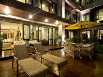 Rashmi's Plaza Hotel Vientiane: balcony/terrace
