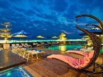 Rashmi's Plaza Hotel Vientiane: swimming pool