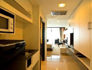 Rashmi's Plaza Hotel Vientiane Vientiane - Studio Living Room