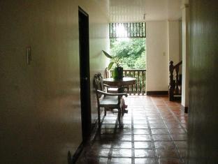 Grand Octagon Resort Laoag - Hotellet från insidan