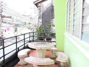 Phuket Backpacker Hostel Phuket - Omgivningar