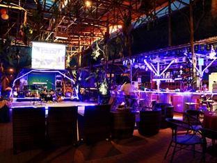 Sinar Serapi Eco Theme Park Resort Kuching - Gold Bar
