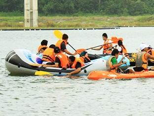 Sinar Serapi Eco Theme Park Resort Kuching - Rubber Dingy