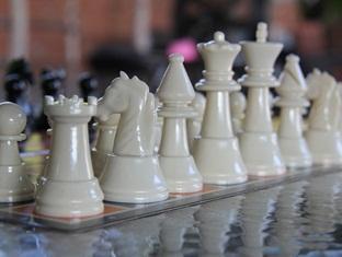 Sinar Serapi Eco Theme Park Resort Kuching - Chess