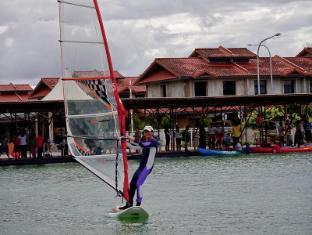 Sinar Serapi Eco Theme Park Resort Kuching - Wind Surfing