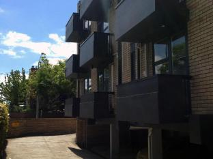 George Powlett Apartments Melbourne - Underground Car Park