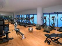 Jumeirah at Etihad Towers - Residences: fitness room