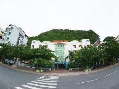 Gieng Ngoc Hotel | Cat Ba Island Budget Hotels