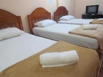 Viengsavanh Guest House: guest room