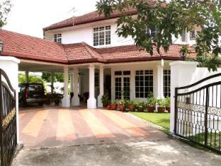 Rumah Putih B & B Kuala Lumpur - Exterior