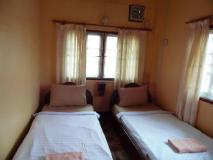 Khamphone Guesthouse: guest room