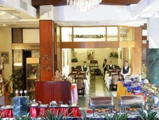The Everest Hotel Kathmandu - Restaurant
