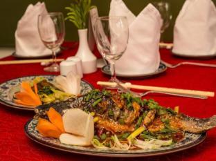 The Everest Hotel Kathmandu - Food of Mandarin Restaurant