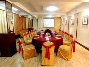 The Everest Hotel Kathmandu - Namche Hall