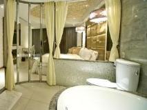 White House Beach Resort: bathroom