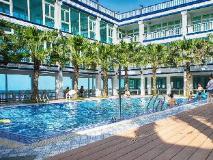 White House Beach Resort: swimming pool