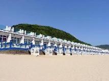 White House Beach Resort: exterior