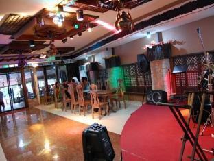 Gertes Resort Hotel and Restaurant Laoag - Quầy bar/Pub