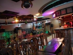 Gertes Resort Hotel and Restaurant Laoag - Pub/Ruang Rehat