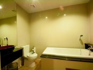 San Sabai Patong Resort Phuket - Deluxe - Bathroom
