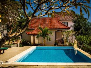 Beten Waru Bungalow and Restaurant Bali - Peldbaseins