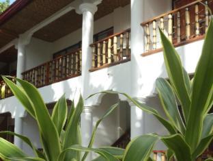 Alona Vida Beach Resort Bohol - Deluxe Rooms