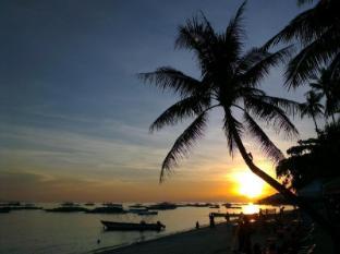Alona Vida Beach Resort Bohol - Sunset from Restaurant