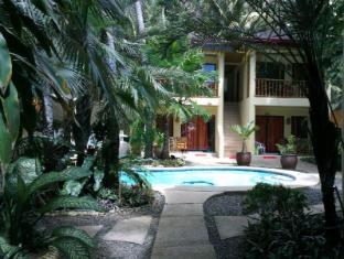 Alona Vida Beach Resort Bohol - Garden