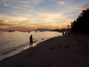 Alona Vida Beach Resort Bohol - Sunset View