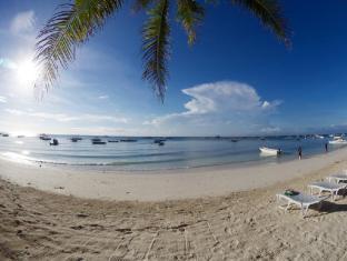 Alona Vida Beach Resort Bohol - Beach Front