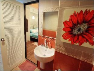 Inspire House Hotel Chiang Mai - Konuk Odası
